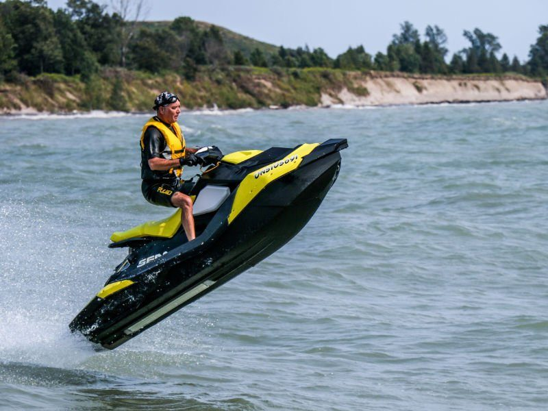 ola motos de agua 03