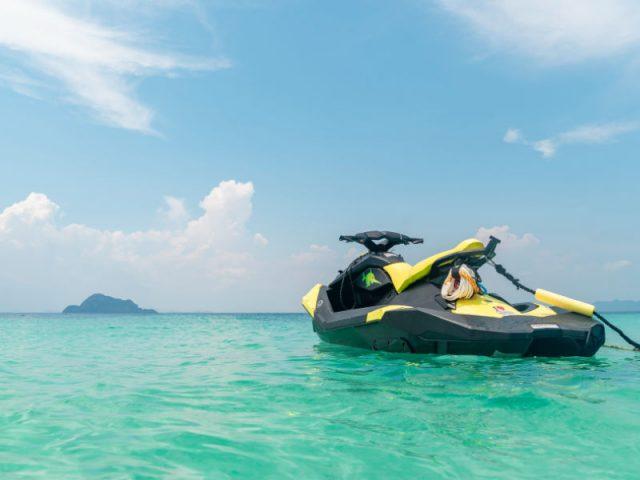 ola motos de agua 02